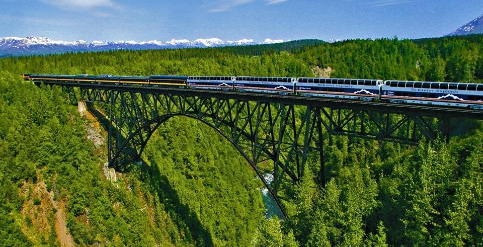 alaska-train-hurricane